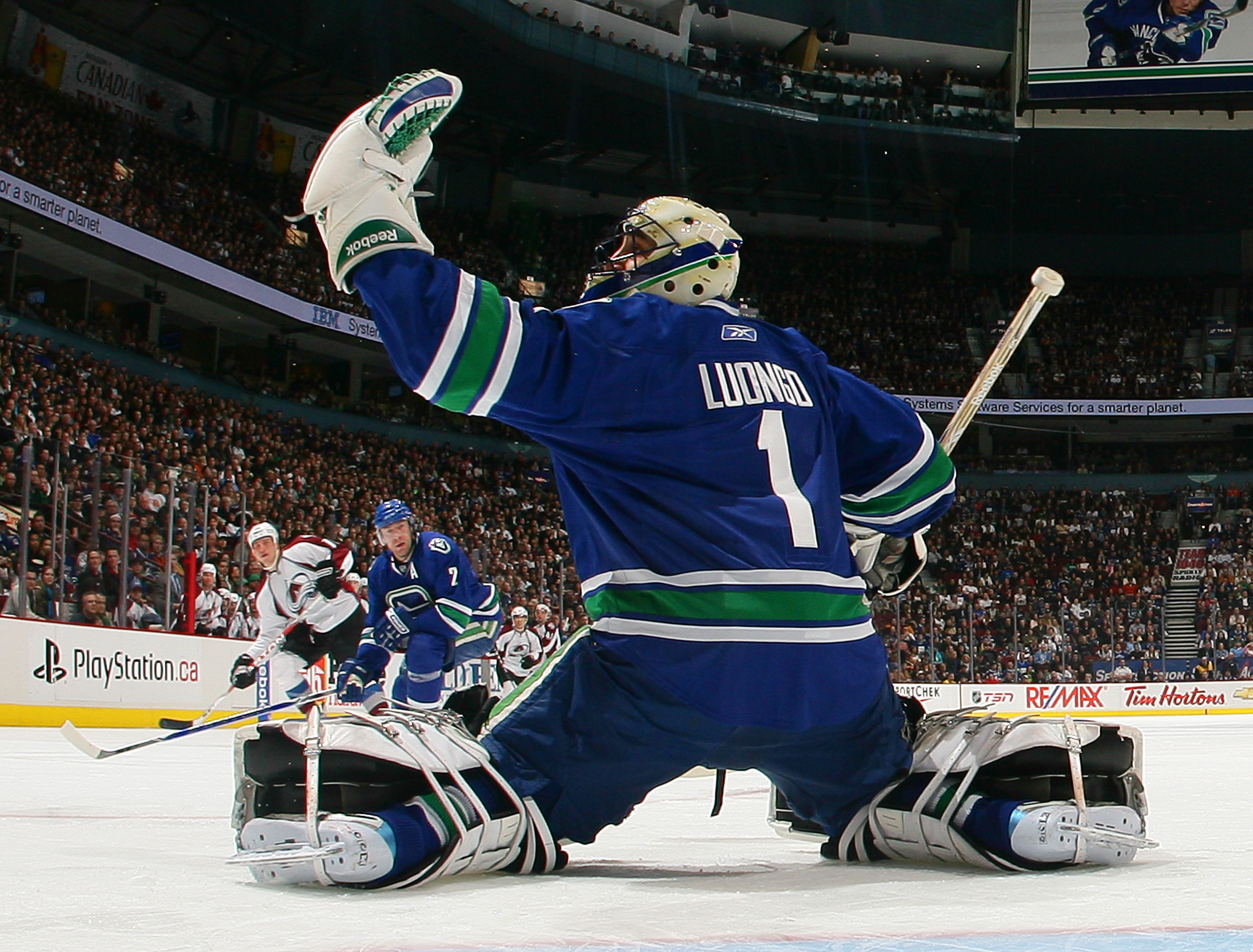 Report: Leafs on Roberto Luongo's List of Teams